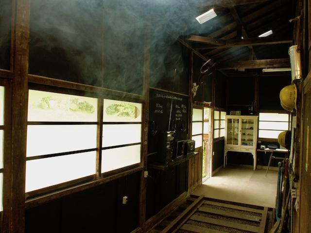 森ラジオステーションの内部の画像