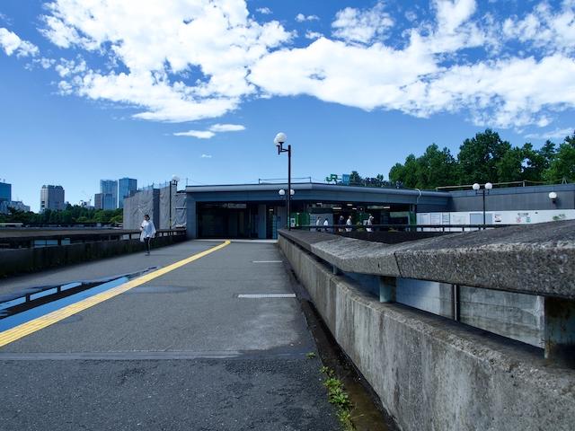 JR四ツ谷駅・赤坂口前広場の画像2