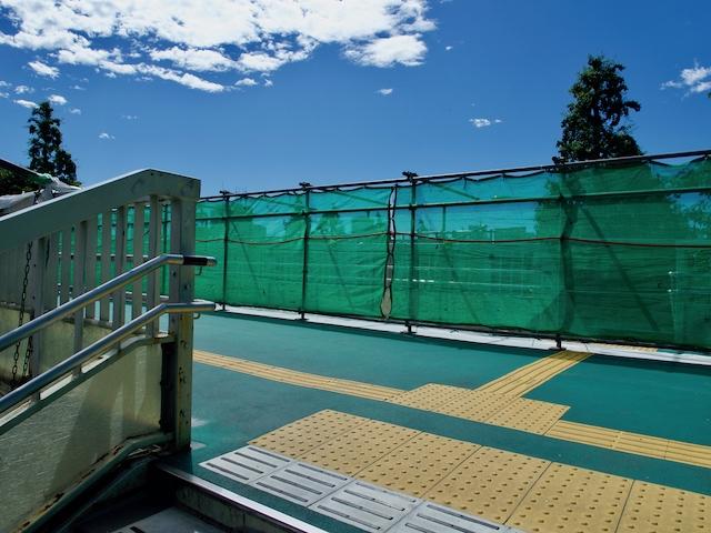 信濃町歩道橋(改装工事中)の画像