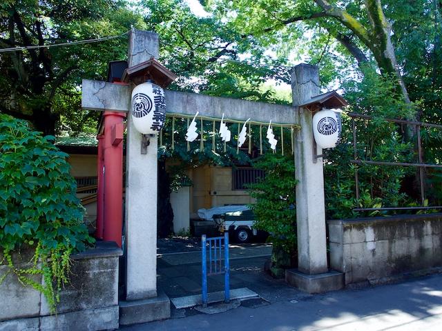 須賀神社・裏口の画像