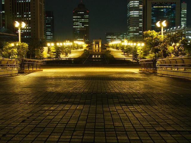 大口径レンズで撮影した夜景の画像