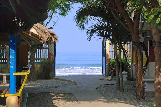 バワングビーチの入口の画像