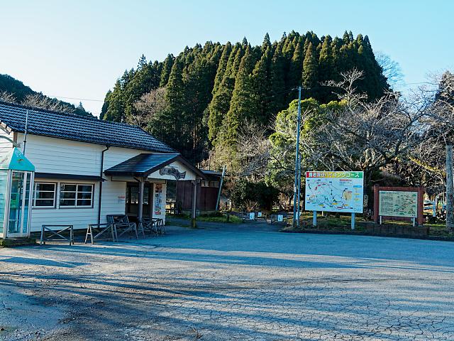 月崎駅前広場の画像