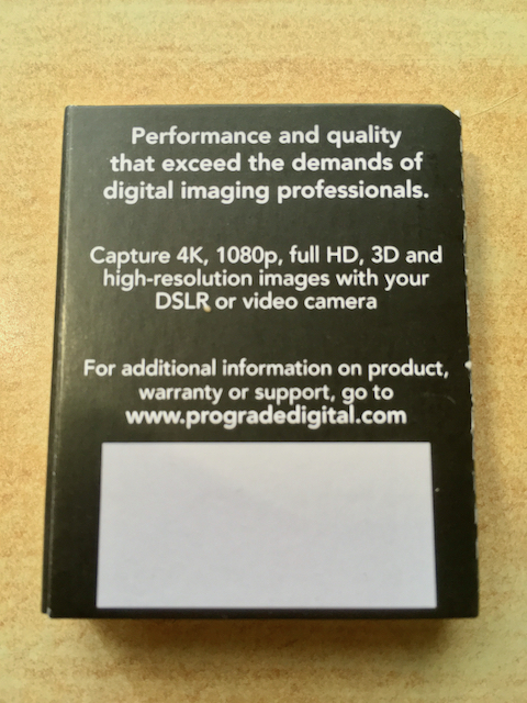 ProGrade DIgital SDXCカードの開封画像2
