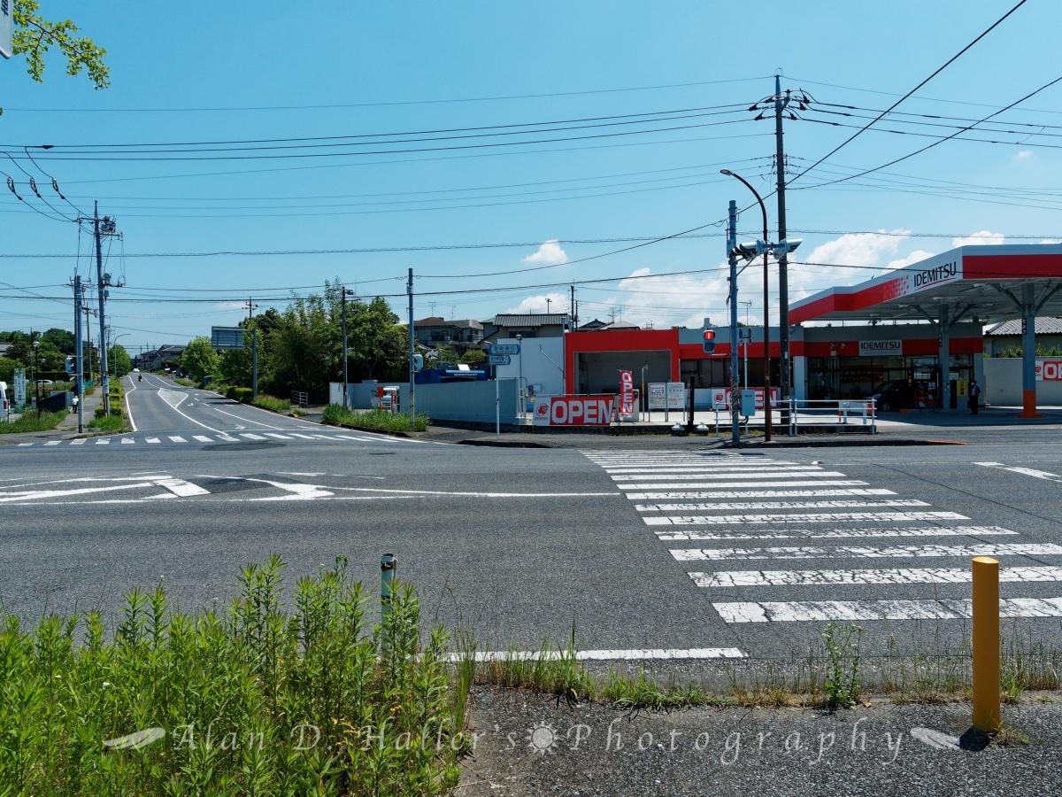 更級通りと国分寺中通りの交差点